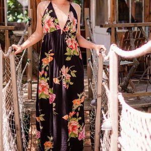 Beautiful flowy maxi dress